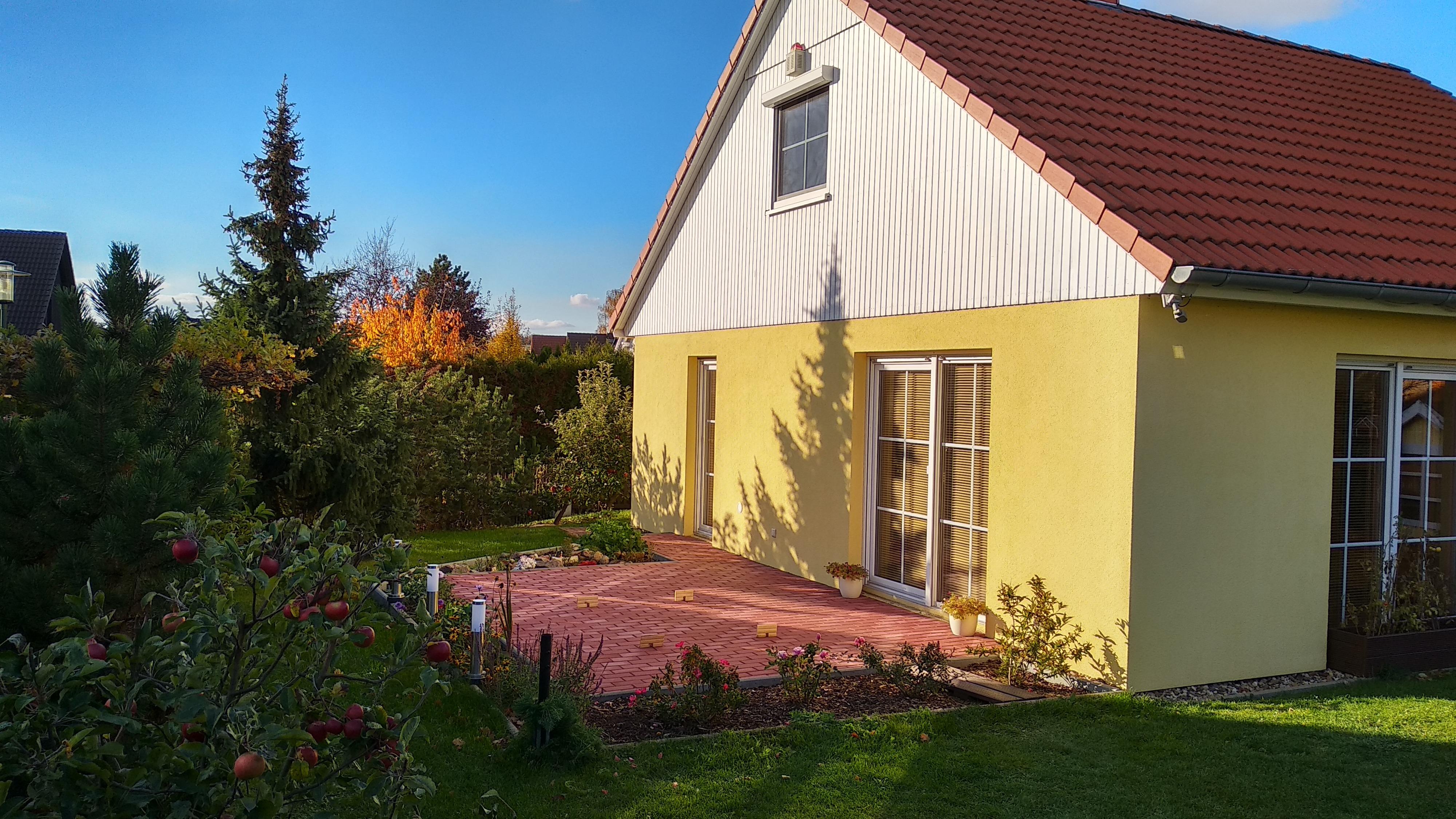 Einfamilienhaus in Sennewitz - Hinteransicht mit Terrasse