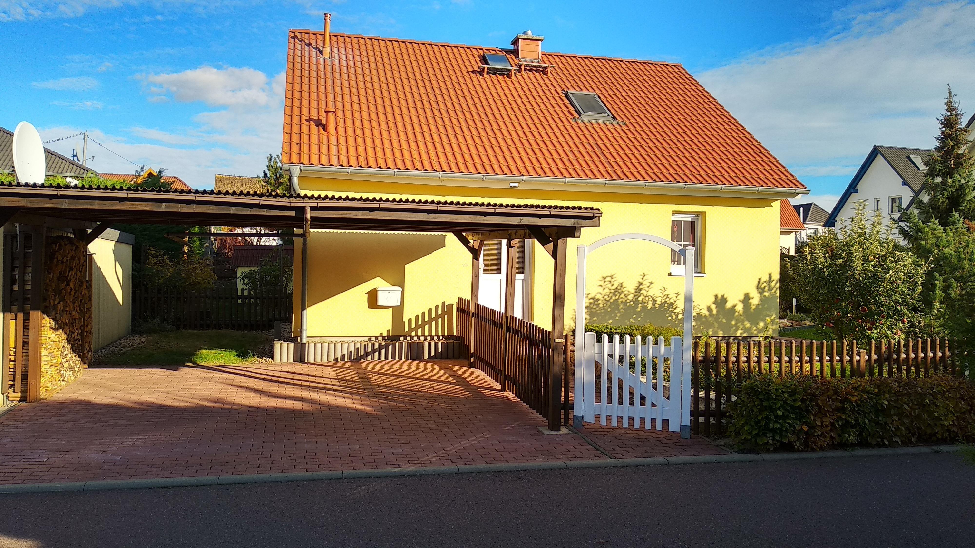Einfamilienhaus in Sennewitz - Straßenansicht