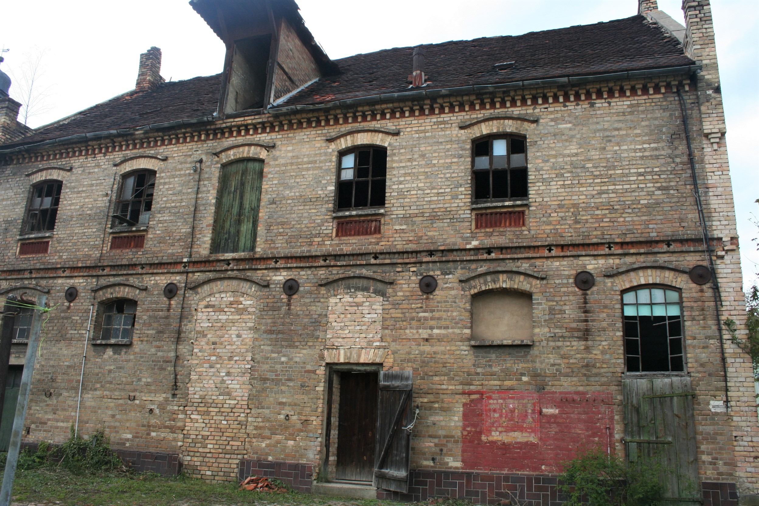 Gutshof Fienstedt Nebengebäude mit Pferdestall und Speicher im Obergeschoss