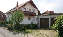 Einfamilienhaus in Angersdorf - Seitenansicht mit Balkon