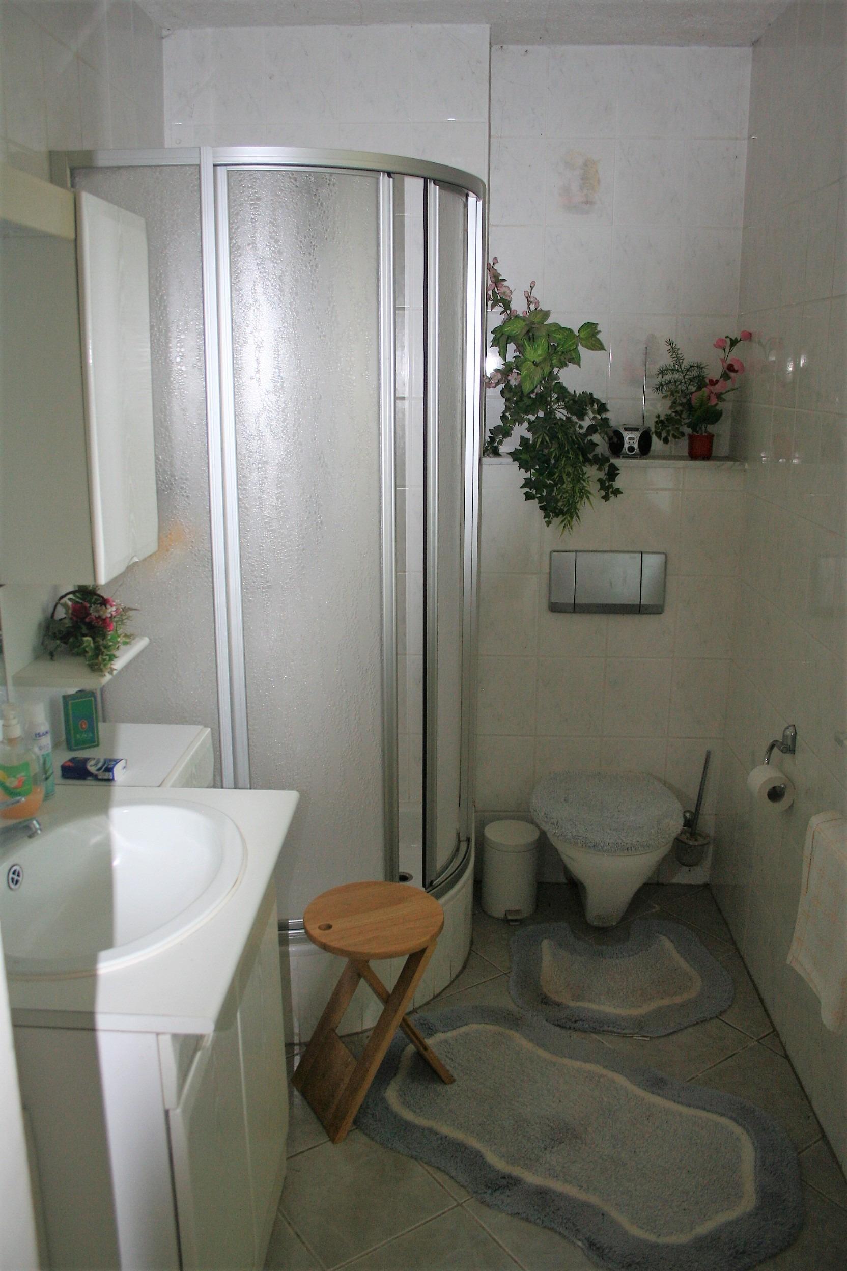 Wochenendgrundstück in Gorenzen - Bad mit Dusche