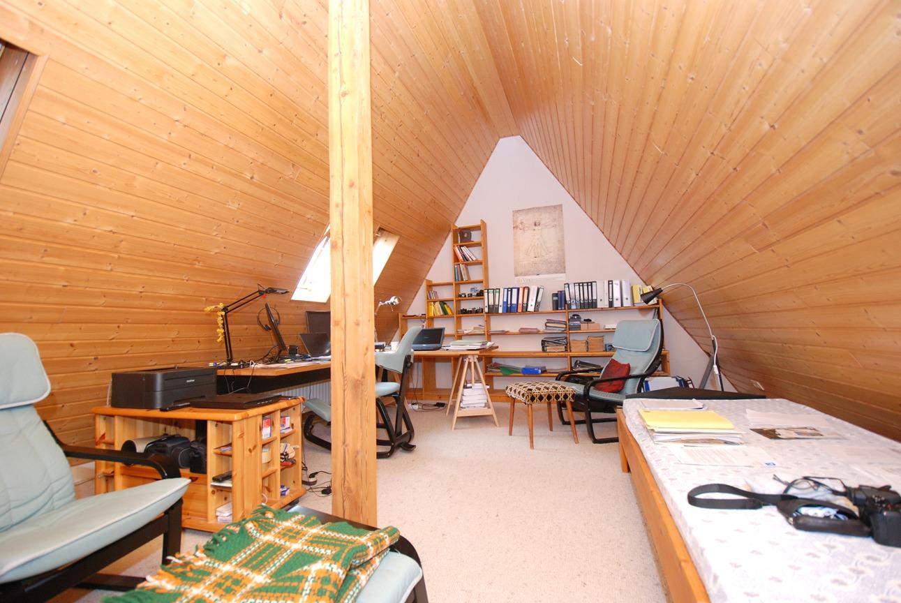 Einfamilienhaus Leuna - Büro im DG Detail