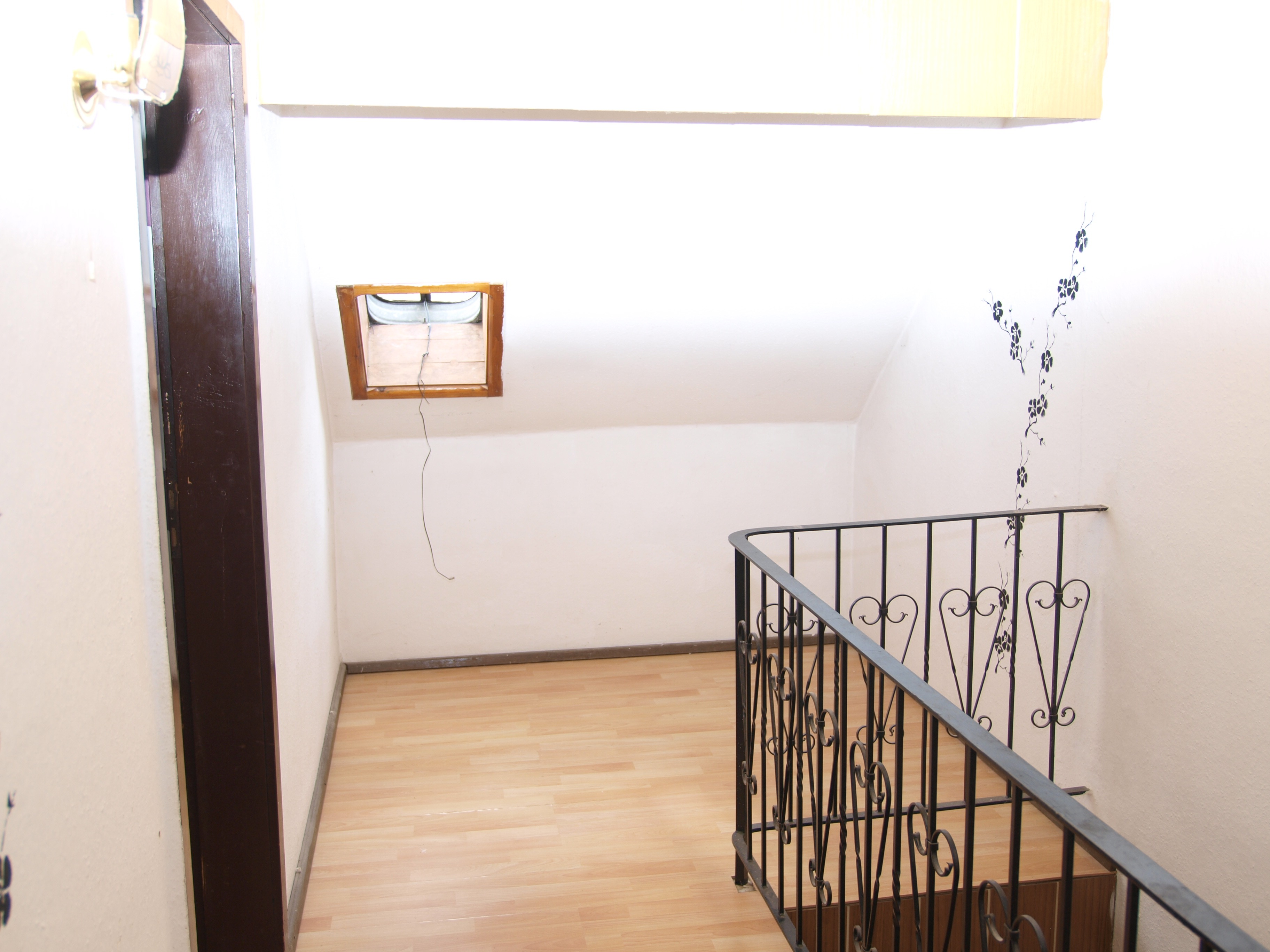 Einfamilienhaus Mansfeld - Oberer Flurbereich mit freundlicher Diele