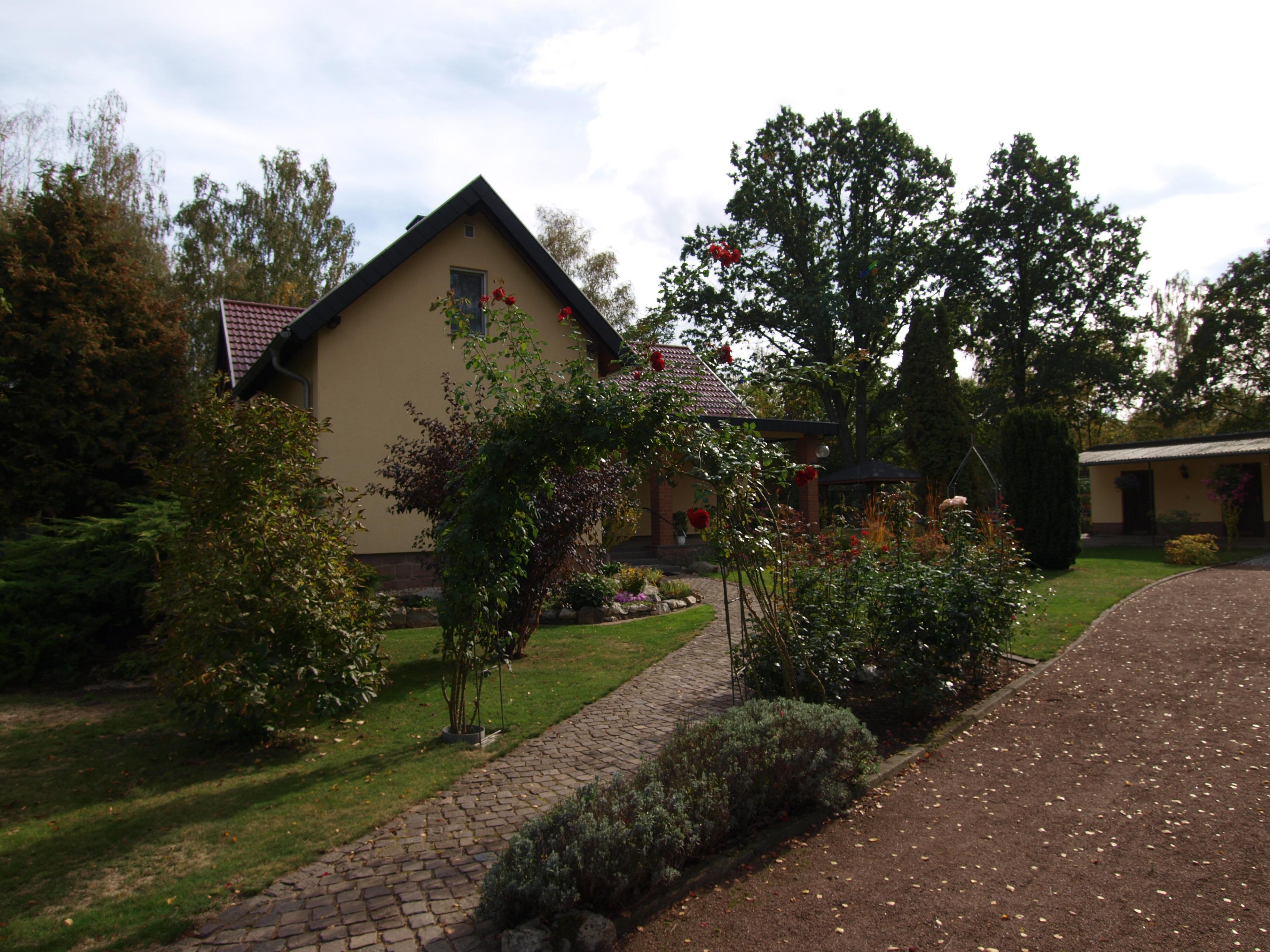 Einfamilienhaus Kröllwitz - Zufahrt zum Grundstück