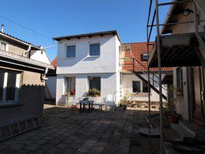 Ein- bis Zweifamilienhaus Kanena - Blick auf das Wohnhaus