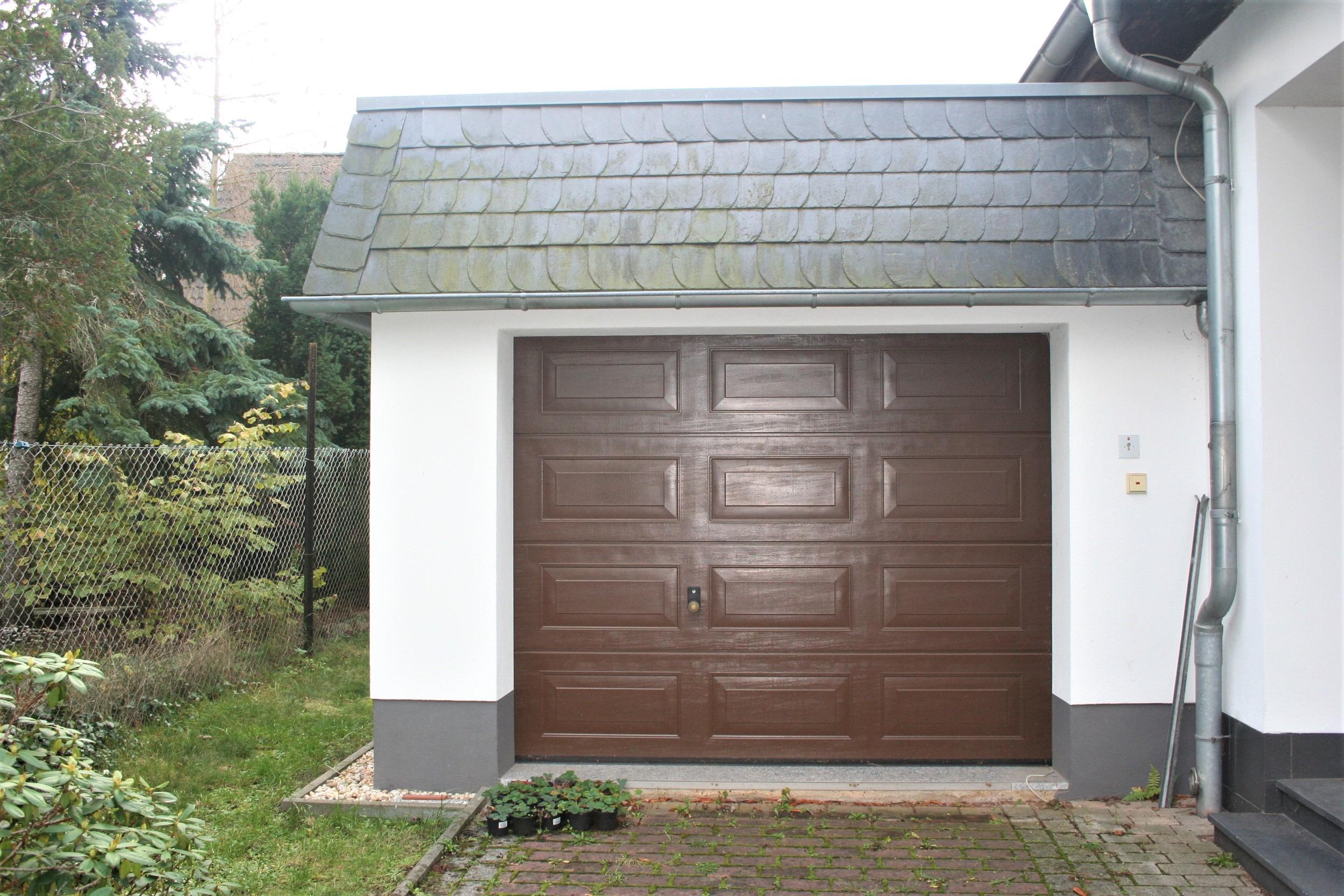 Einfamilienhaus Kröllwitz - Garage