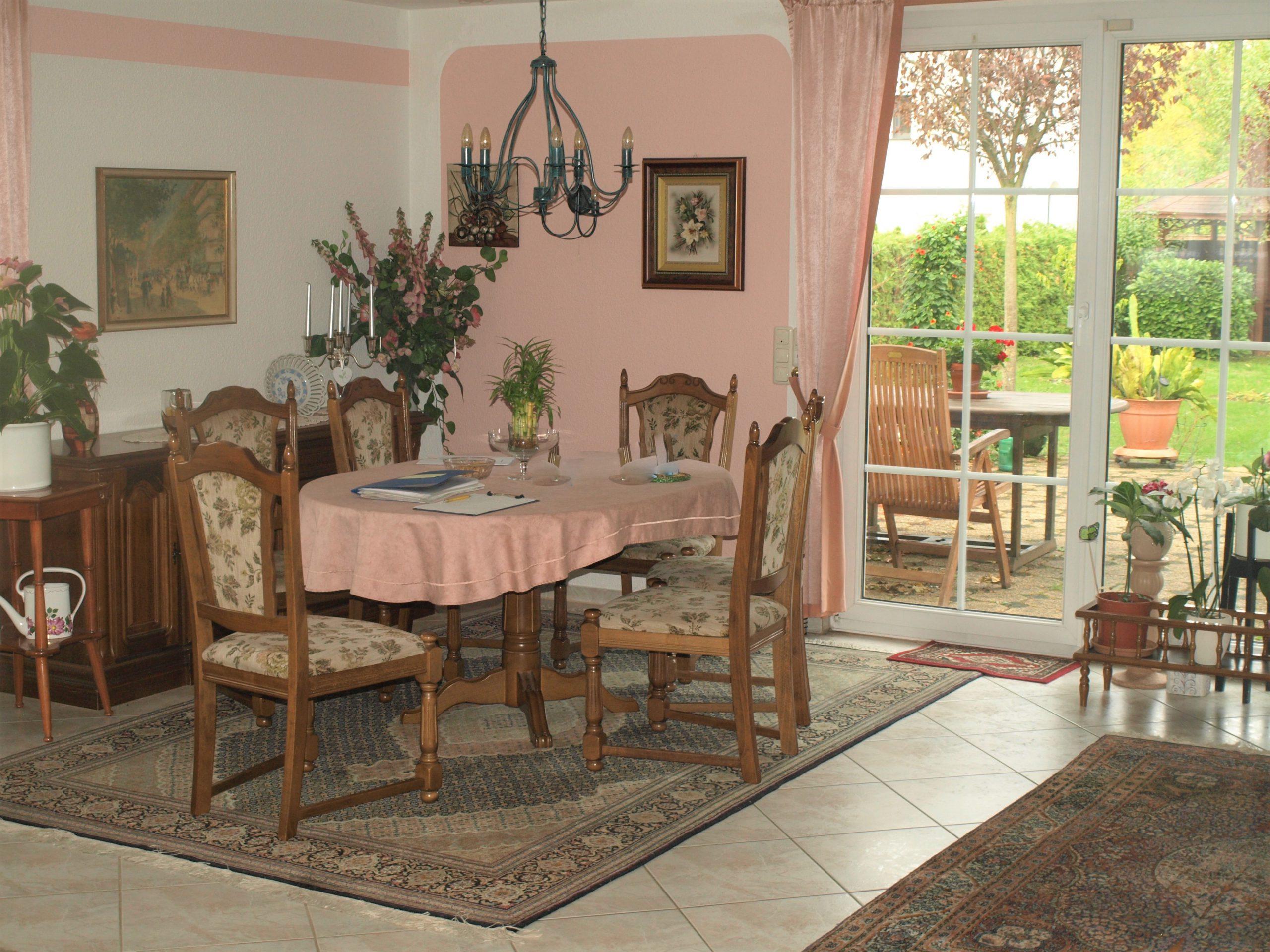 Einfamilienhaus Merseburg - Wohnzimmer mit Gartenblick