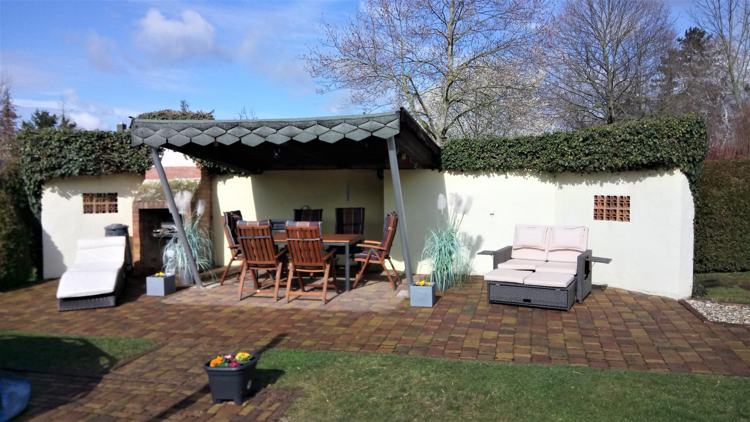 Einfamilienhaus Kröllwitz - Sitzecke im Garten