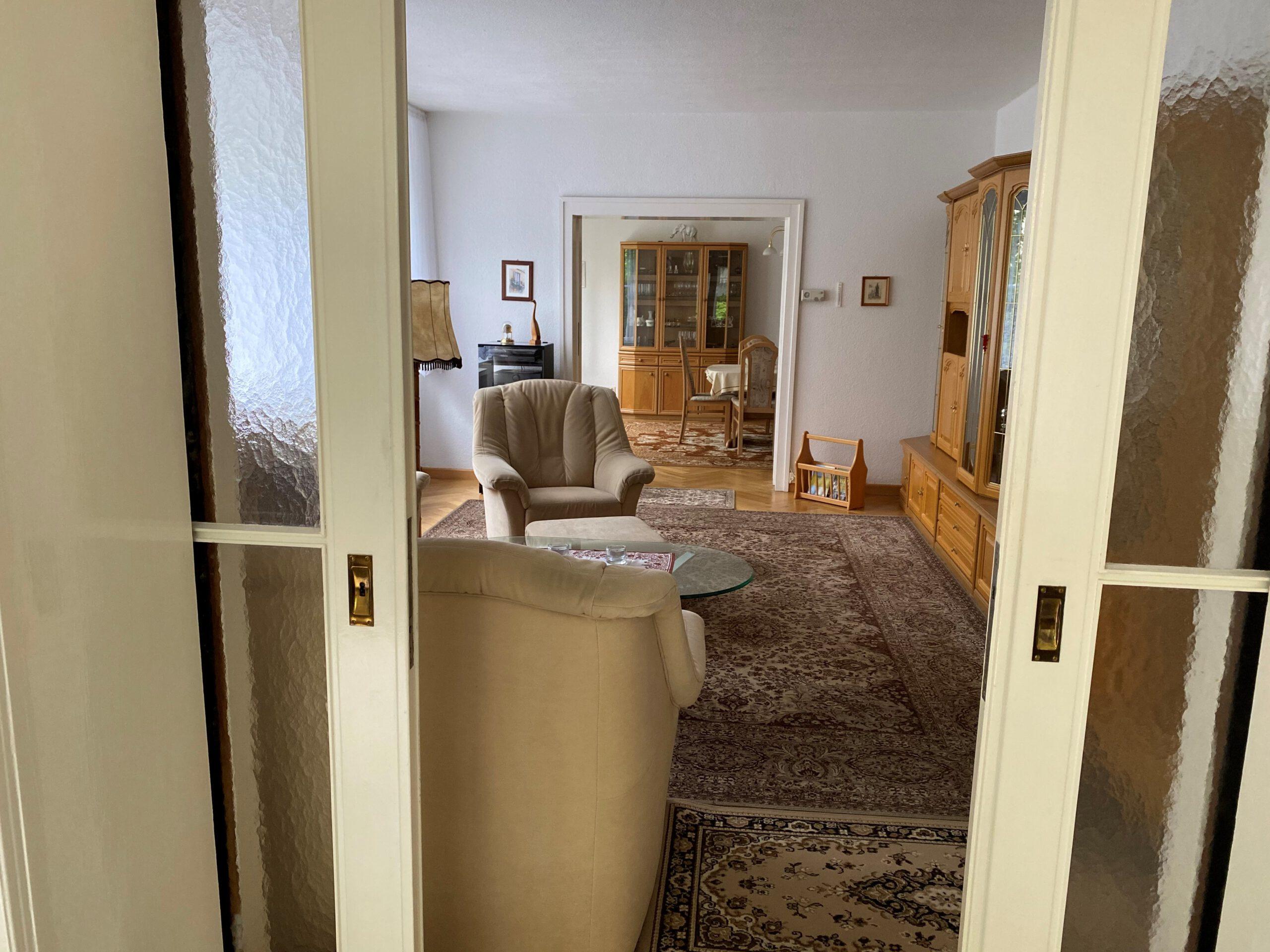 Einfamilienhaus in Leuna - Blick vom Wintergarten zum Wohnzimmer und Esszimmer