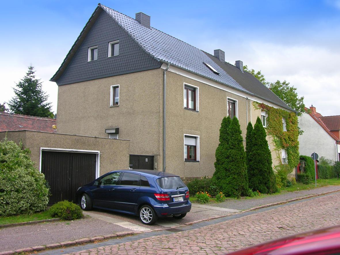Einfamilienhaus in Großkugel - Straßenansicht