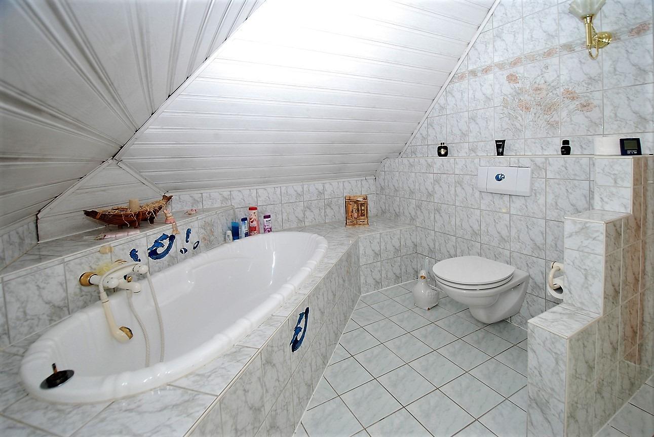 Einfamilienhaus auf dem Dautzsch - Badezimmer im OG
