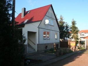 Einfamilienhaus Dölbau - Straßenansicht