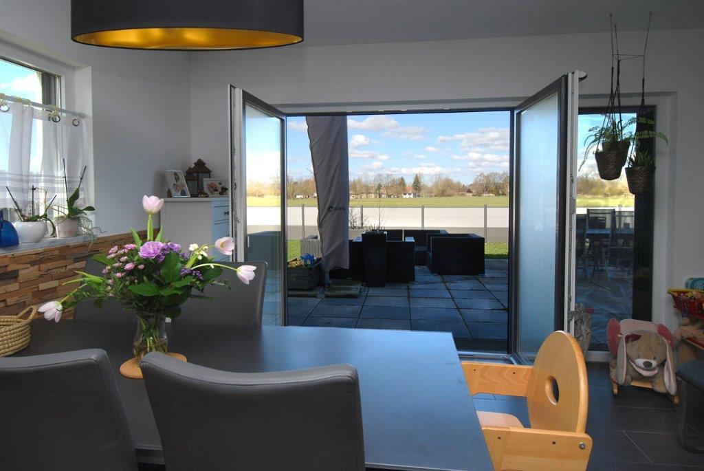 Einfamilienhaus Peterdorf - Blick zur Terrasse