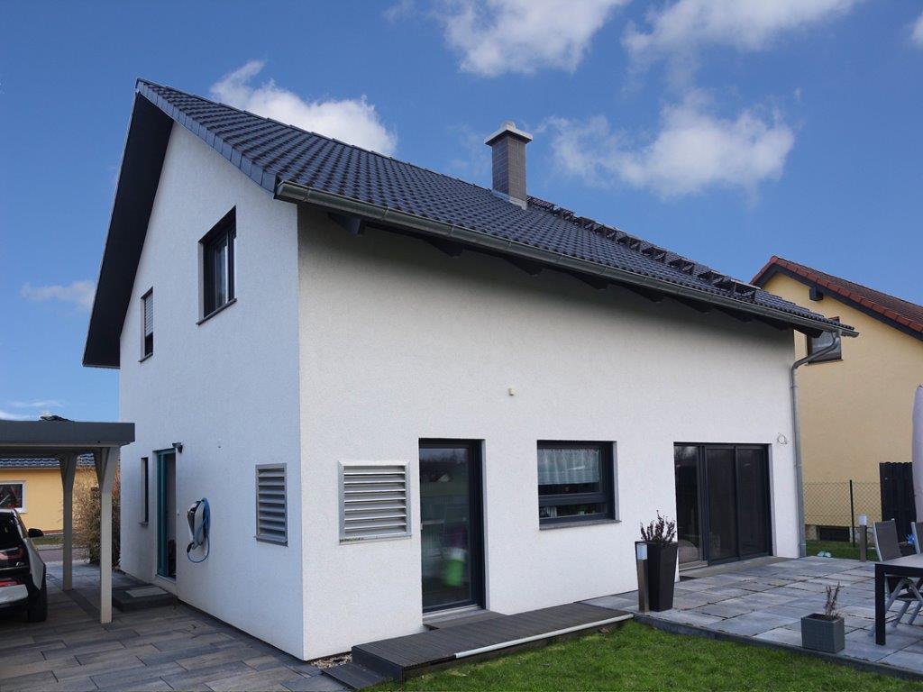 Einfamilienhaus Peterdorf - Gartenansicht
