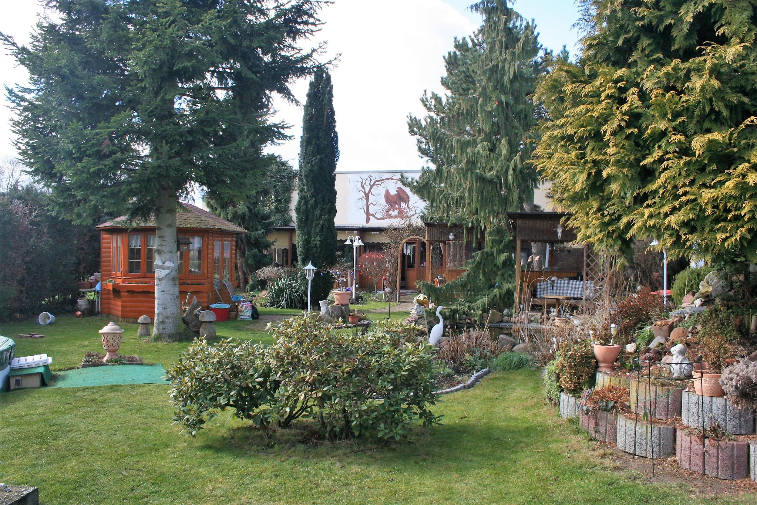 Mehrfamilienhaus/Pension in Peißen - Gartenblick zum Haus