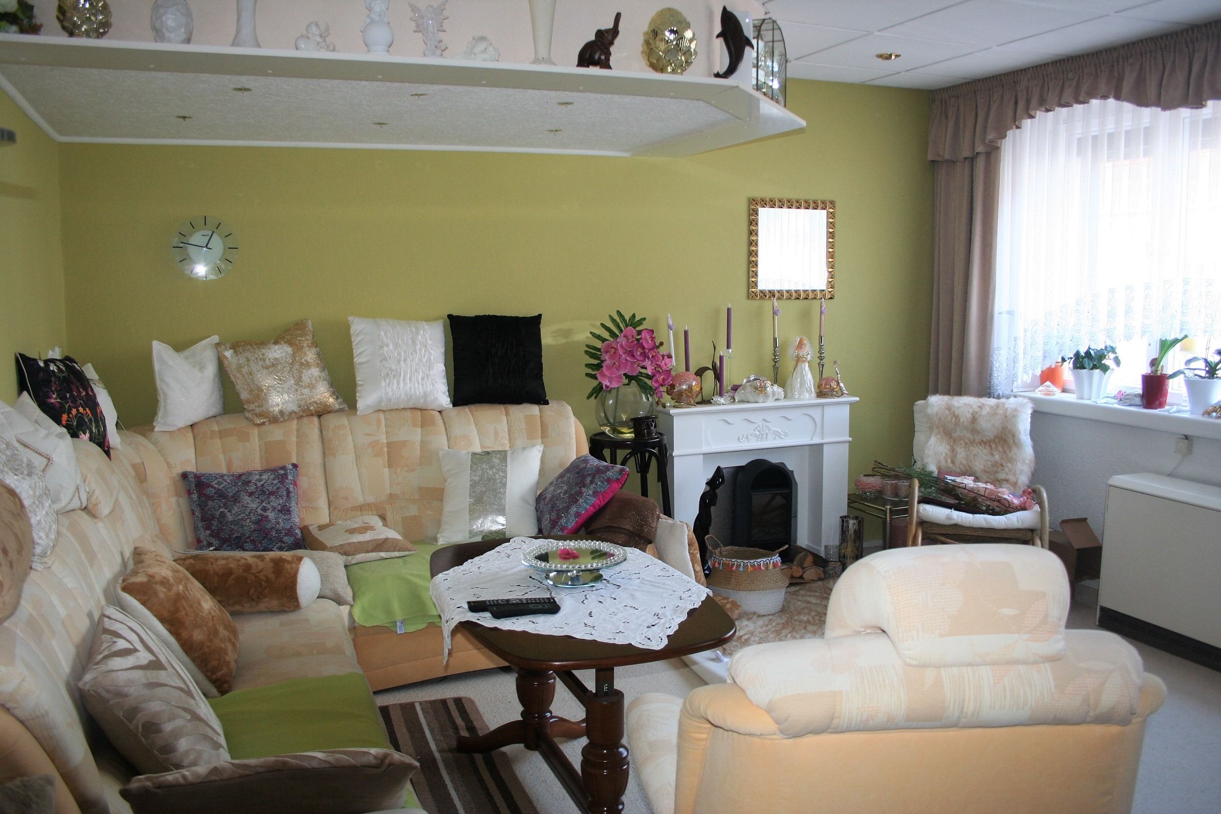 Mehrfamilienhaus/Pension in Peißen - Wohnzimmer im Haupthaus