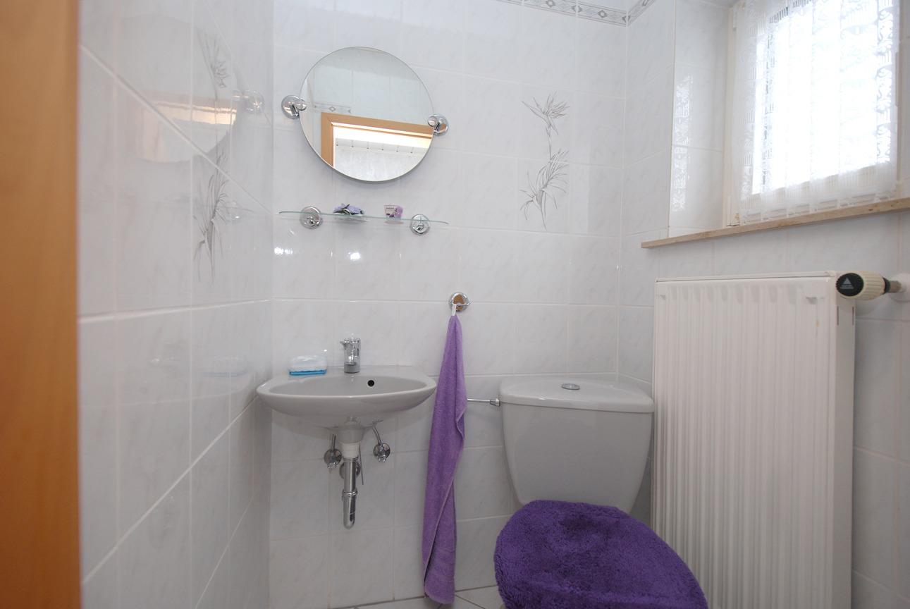 Einfamilienhaus Kaltenmark - Einliegerwohnung Gäste-WC