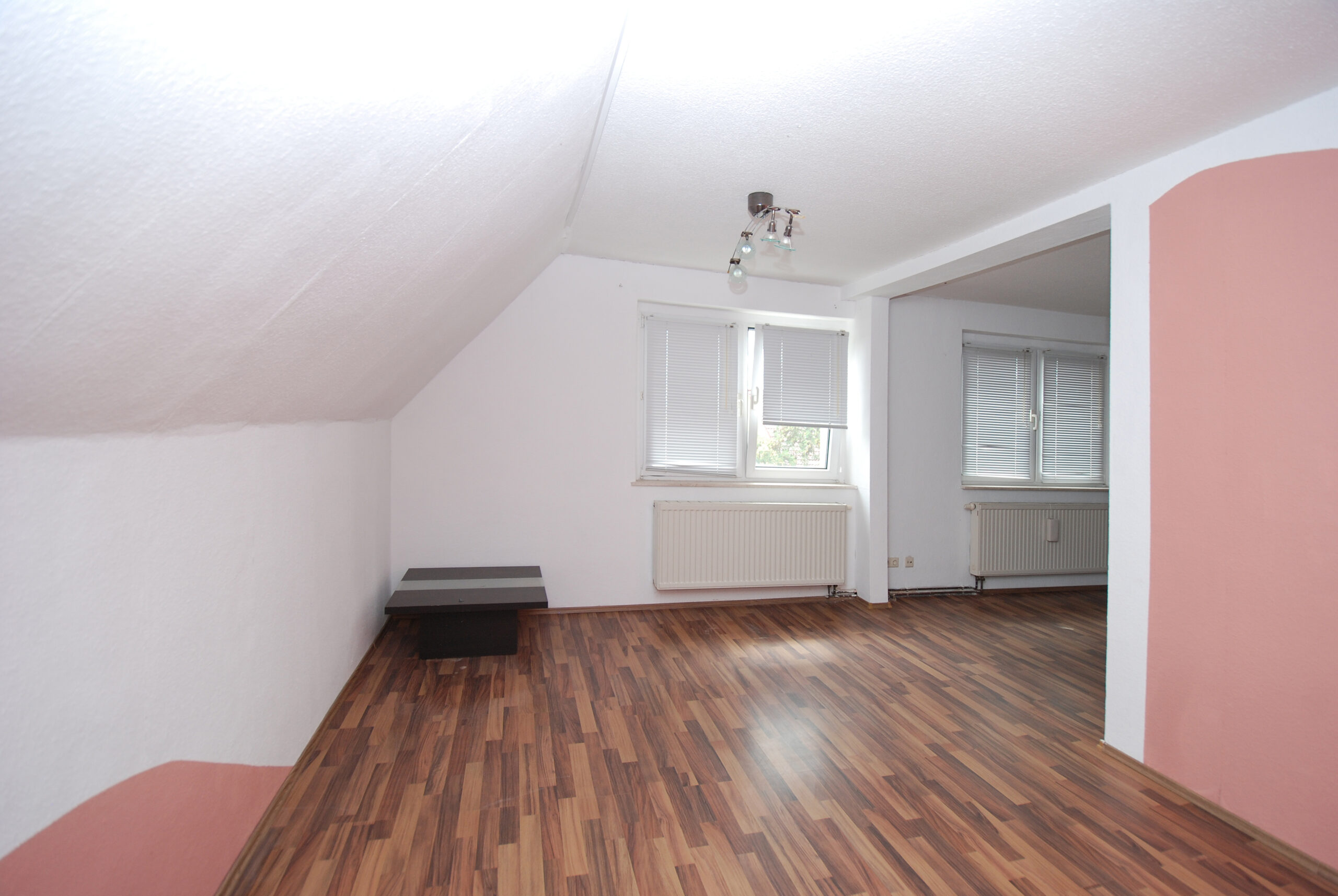 Wohn- u. Geschäftshaus - DG - Zimmerdetail Wohnung DG