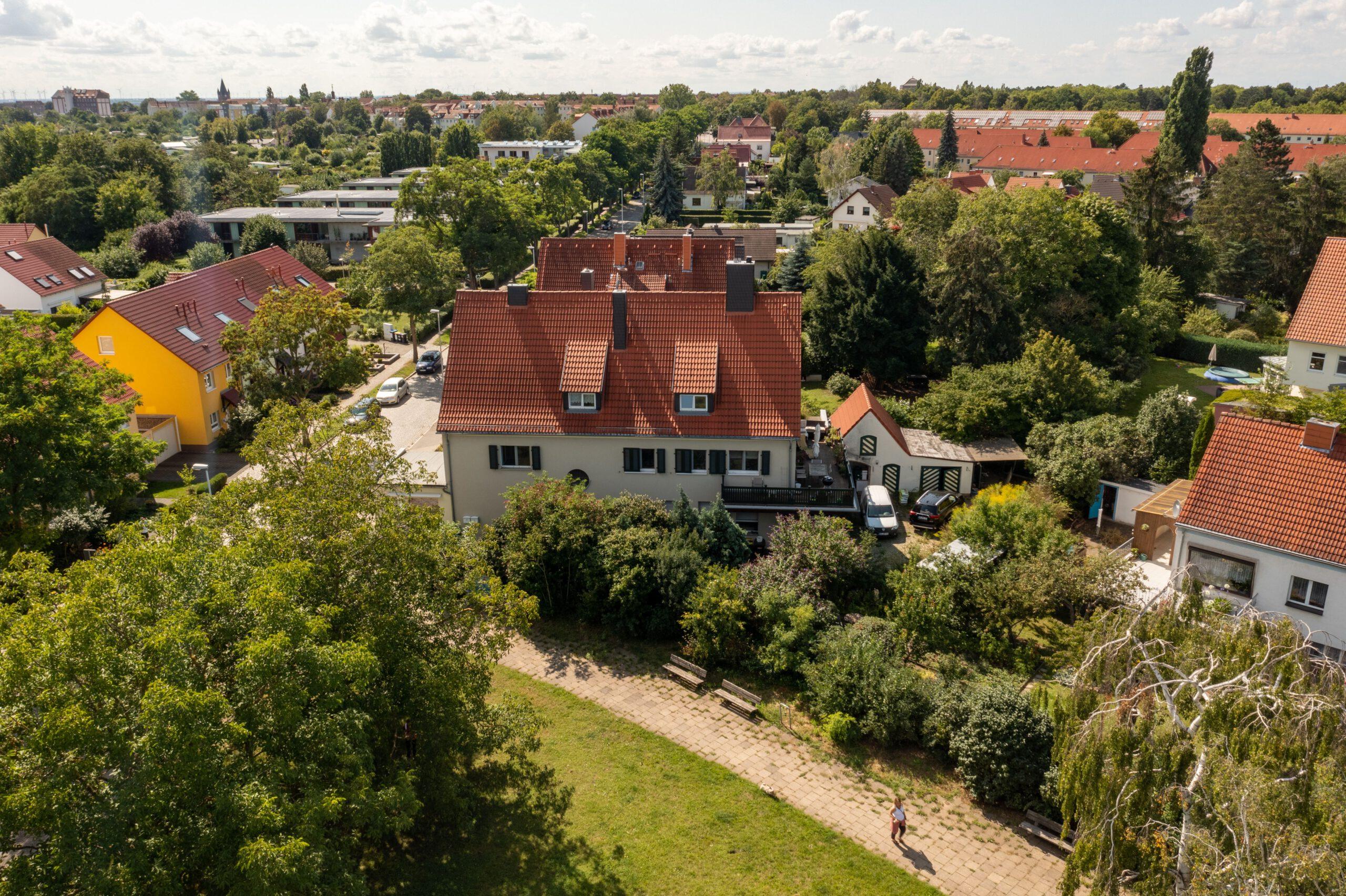 Wohn- u. Geschäftshaus - Luftbild 1