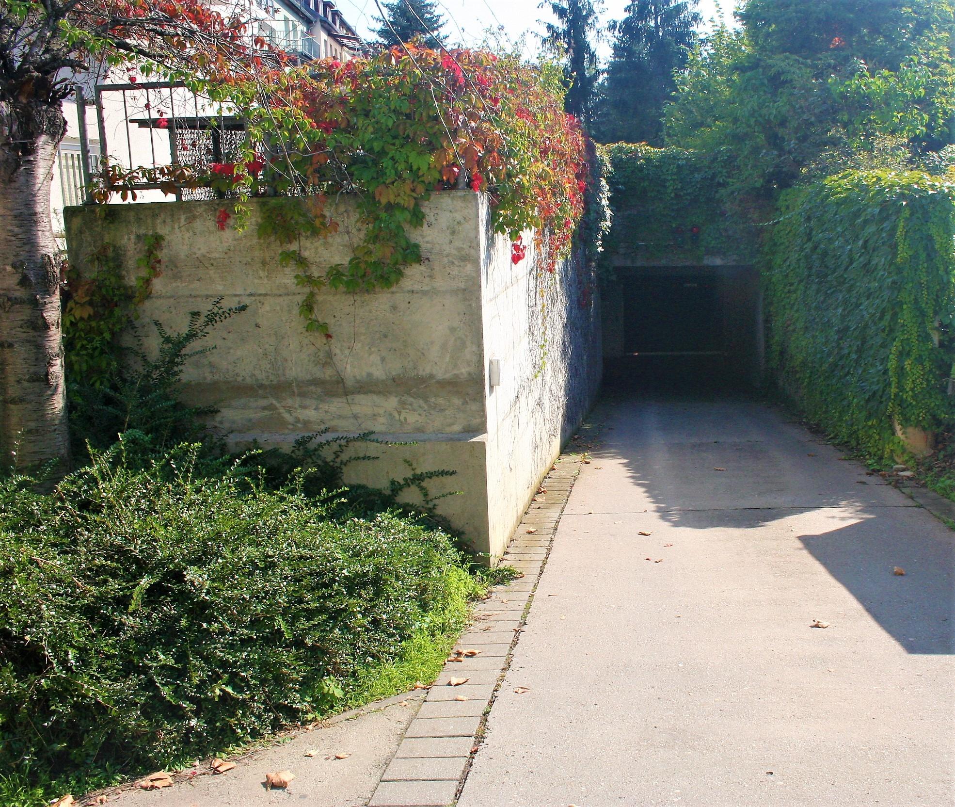 Eigentumswohnung - Zufahrt Tiefgarage