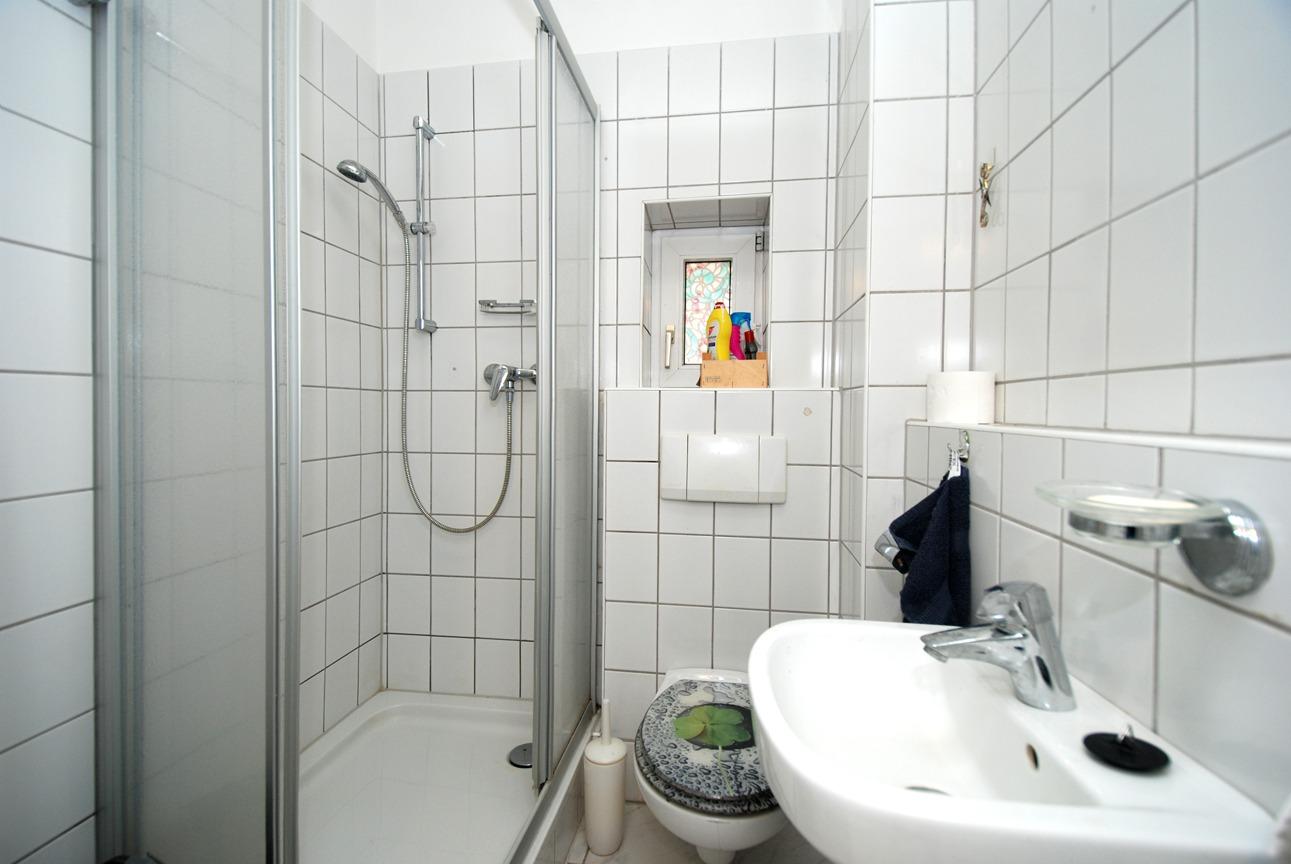 Ein- bis Zweifamilienhaus Frankleben - Duschbad im Erdgeschoß