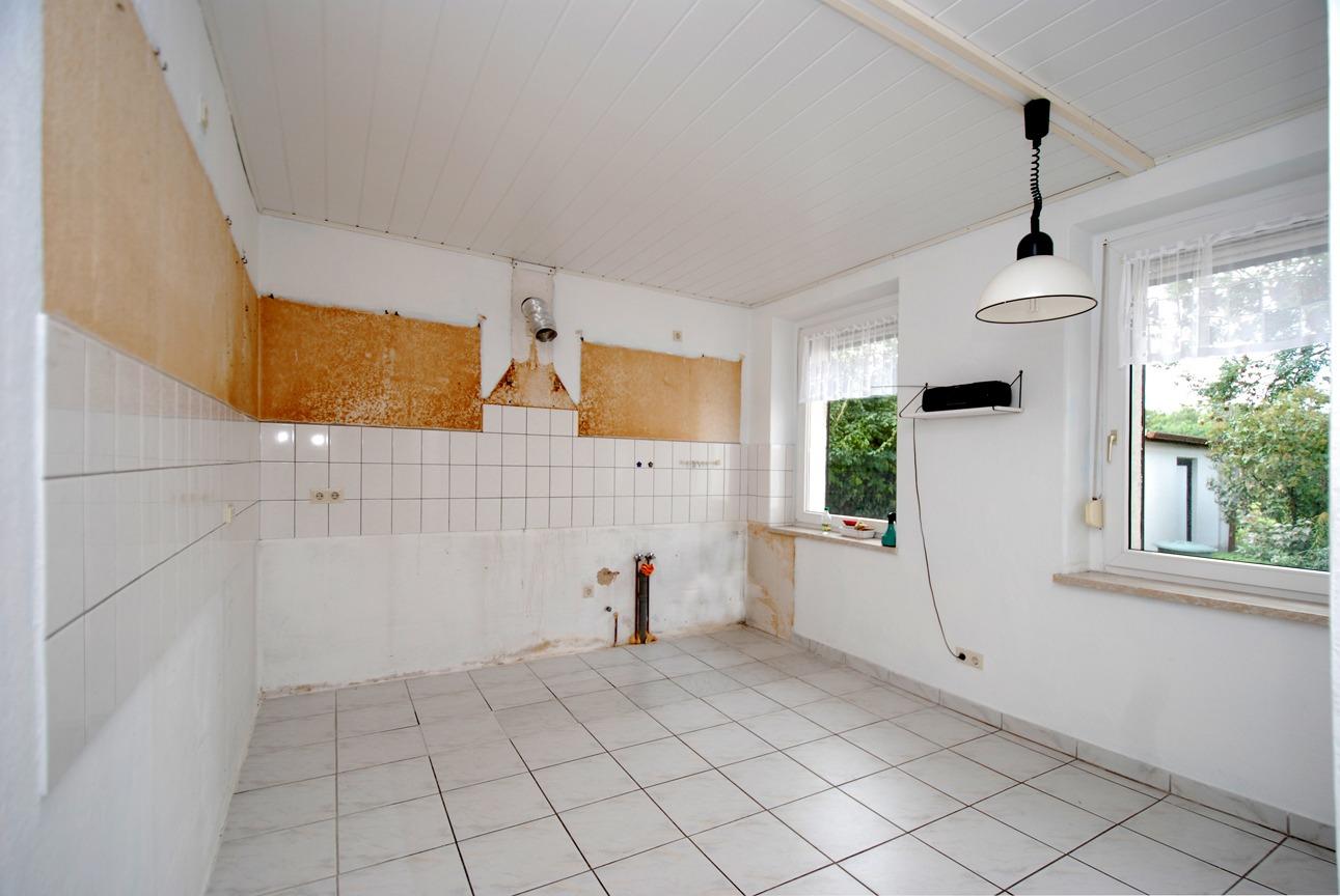 Ein- bis Zweifamilienhaus Frankleben - Küche im Erdgeschoß